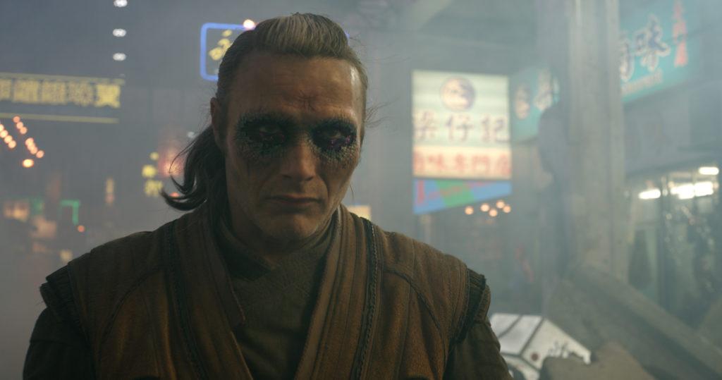 Hannibal a viré goth (Mads Mikkelsen avec une vilaine conjonctivite).
