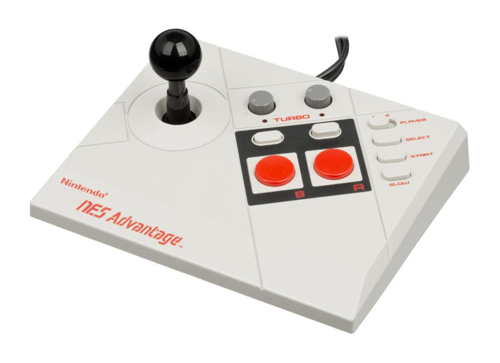Le NES Advantage, qui me faisait rêver. Et puis un jour je l'ai eu.
